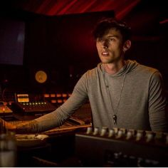 Who would've thought loving someone who's perfect for you would be so… # Fanfiction # amreading # books # wattpad Old School Movies, Colson Baker, Machine Gun Kelly, Pop Punk, Man Photo, Men Looks, Music Bands, Beautiful Boys, Pretty People