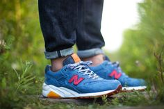 Inspired by the Canadian Tuxedo, New Balance x Capsule release this MT580. Dropping August 9, 2014. #CapsuleTux