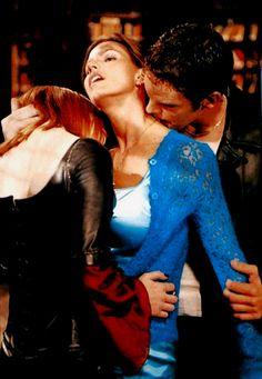 Buffy the Vampire Slayer Vampire Books, Vampire Art, Buffy The Vampire Slayer, Female Vampire, Vampire Fangs, Marc Blucas, Charisma Carpenter, Michelle Trachtenberg, David Boreanaz