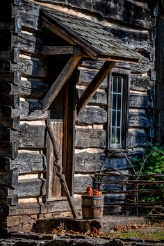 Cabana, Log Cabin Homes, Log Cabins, Mountain Cabins, Cabin In The Woods, Cabins And Cottages, Stone Houses, Small House Plans, The Great Outdoors