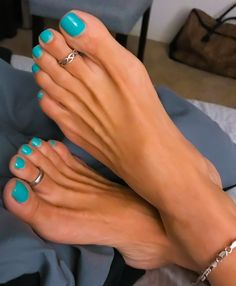loving this sexy submission from @italianfootbeauty beautiful feet Miss