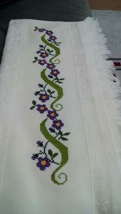 This post was discovered by Puri Lago. Discover (and save!) your own Posts on Unirazi. Cross Stitch Boarders, Cross Stitch Bookmarks, Cross Stitch Flowers, Cross Stitch Designs, Cross Stitching, Cross Stitch Patterns, Hand Embroidery Design Patterns, Embroidery Motifs, Silk Ribbon Embroidery