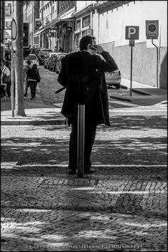 Who's speaking? [2014 - Porto / Oporto - Portugal] #fotografia #fotografias #photography #foto #fotos #photo #photos #local #locais #locals #europa #europe #pessoa #pessoas #persona #personas #people #cidade #cidades #ciudad #ciudades #city #cities #street #streetview @Visit Portugal @ePortugal @WeBook Porto @OPORTO COOL @Oporto Lobers