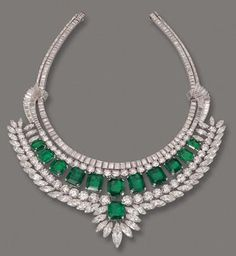 pictures of historical jewelry with background information | Royal and Historic Jewelry
