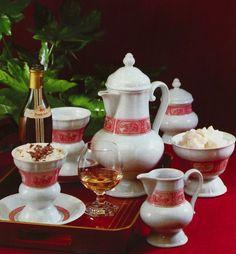 "Heinrich Porcelain, ""Rudesheimer Kaffee"" (Erdinç Bakla archive)"