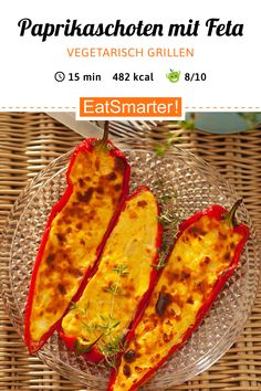 Paprikaschoten mit Feta gefüllt Vegetarian barbecue is so delicious! Peppers stuffed with feta – smarter – calories: 482 kcal – time: 15 min. Garlic Pesto Chicken, Creamy Garlic Sauce, Barbacoa, Pizza Hut, Fun Easy Recipes, Healthy Recipes, Healthy Food, Eggs In Peppers, Vegetarian Barbecue