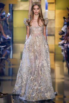 #فساتين #ايلي_صعب #اناقة #موضة #ازياء #eliesaab #hautecoutoure #fashion #trends #dresses