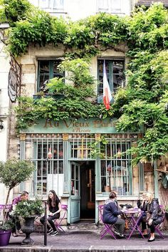 Paris is full of interesting architecture and. Here are some cute Parisian cafes you MUST see in the city of love! IE The best cafes in Paris! Paris France, I Love Paris, Summer In Paris, France Cafe, Cool Cafe, Paris Travel, France Travel, Travel Europe, Travel