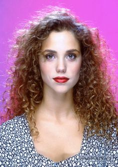 Elizabeth Berkley - (Jessie Spano in Saved by the Bell) Elizabeth Berkley, Beautiful Celebrities, Beautiful Actresses, Beautiful People, Beautiful Women, Jessie Spano, All Hairstyles, Saved By The Bell, Fashion Tv
