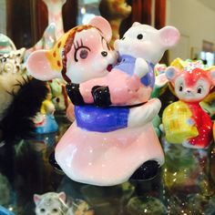 Nasco Anthropomorphic Mouse Mom with Baby Salt and Pepper Shaker from Japan