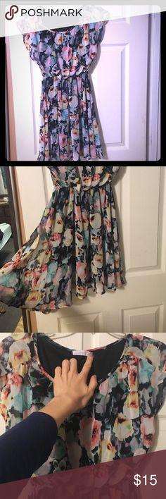NWOT lush dress floral gorgeous Small sized but has an elastic waist beautiful floral dress Lush Dresses Midi