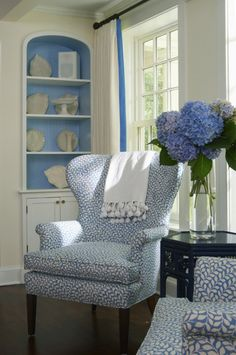 House of Turquoise: Lynn Morgan Design My Living Room, Home And Living, Living Spaces, Coastal Living, Country Living, House Of Turquoise, Blue Rooms, White Rooms, White Walls