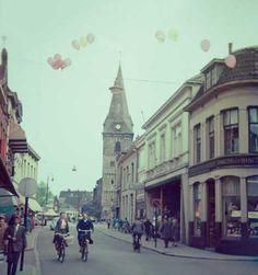 Enschede, Marktstraat gezien vanaf de hoek  met de Walstraat