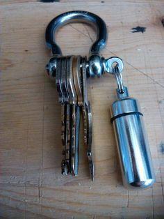 3/8 Shackle Keyring