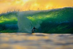 Kelly Slater at Pipeline | Aaron Chang | Fine Art Photography