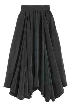 Spódnica maxi z cupro Latest Fashion For Women, Latest Fashion Trends, Muslim Fashion, A Line Skirts, Skater Skirt, Fashion Outfits, Clothes For Women, How To Wear, Clueless