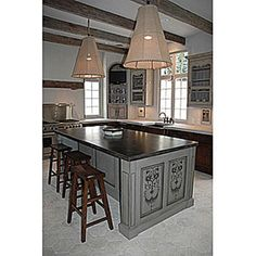 This elegant kitchen island idea is ideal to inspire you to add a timeless aesthetic to your kitchen! It's a great way to give a shot of personality to the heart of the home. Custom Kitchens, Cool Kitchens, Chicken Wire Cabinets, Custom Cabinets, Veranda Magazine, Kitchen Furniture, Hanging Cabinet, Staining Cabinets, Corner Unit