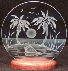 Tallado de vidrio Tropical isla 9. Círculo en Base de madera