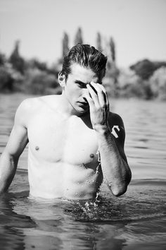 M-Management model Filip Juras embraces the relaxed spirit of summer with a stunning new shoot. Heading outdoors, Filip takes a tranquil dip as he connects with… University Of Maine, Spirit Of Summer, Art Sketches, Gay, Portrait, Model, Outdoor, Instagram, Photography
