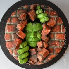 This stunning Hulk Cake was made by Lovin' From The Oven. It features the Hul. Hulk Torte, Hulk Cakes, Hulk Smash, Cake Smash, Unique Cakes, Creative Cakes, Fondant Cakes, Cupcake Cakes, Hulk Birthday Cakes