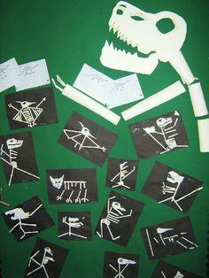 Dinosaur skeletons classroom display photo - Photo gallery - SparkleBox- visit sparklebox for more ideas and freebies! Dinosaurs Preschool, Dinosaur Activities, Preschool Art, Preschool Activities, Dinosaur Projects, Dinosaur Crafts, Dinosaur Fossils, Science Projects, Dino Craft