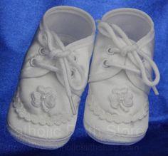 Adorable baptism shoes - Boy Irish Satin Oxford Baptism Shoes with White Shamrocks : CC1032 #catholicfaithstore