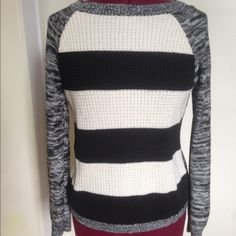 American living sweater This is a very soft comfortable sweater. This would be a wonderful transitional piece to add to your spring wardrobe. This item is in great condition, only worn a handful of times. American living Sweaters Crew & Scoop Necks