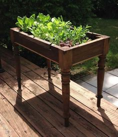 Play with a giant Jenga set, grow greens out of a table, and hang up a bed sheet to swing from the trees. Diy Garden Bed, Diy Garden Projects, Garden Table, Tower Garden, Terrace Garden, Building A Raised Garden, Raised Garden Beds, Raised Beds, Organic Gardening