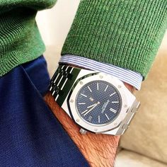 Audemars Piguet Royal Oak 15202 Jumbo find that perfect wrist watch here today! Patek Philippe, Audemars Piguet Watches, Audemars Piguet Royal Oak, Richard Mille, G Shock, Tag Heuer, Cool Watches, Rolex Watches, Dream Watches