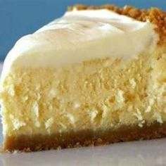 Gluten Free 5 Minute ~ 4 ingredient No-bake Cheesecake - Recipes, Dinner Ideas, Healthy Recipes & Food Guide. 2 cups finely crushed cookies and cup melted butter to make crust. Use gluten free cookies for gluten free Just Desserts, Delicious Desserts, Dessert Recipes, Yummy Food, Recipes Dinner, Dessert Healthy, Lemon Desserts, Dessert Food, Breakfast Recipes