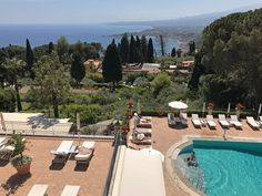 Piscina do Grand Hotel Timeo, em Taormina