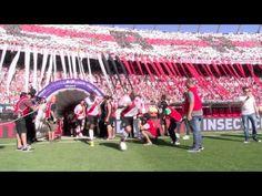 Todo el calor y el color reflejado en este emotivo video con contenido exclusivo de la final de la Copa Libertadores en el Monumental. Pura emoción y pasión ...