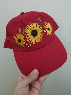 Hand embroidered sunflower design on an Adjustable hat. 2019 clothing clothing labels clothing patches clothing wholesale flower clothing fly shirts shirts for ladies shirts sunshine coast style clothing tee shirts clothing Sommer Garten Hochzeits Kleider Embroidery Leaf, Flower Embroidery Designs, Hand Embroidery Patterns, Embroidery Stitches, Bone Floral, Bone Bordado, Embroidery On Clothes, Sunflower Design, Cloth Flowers