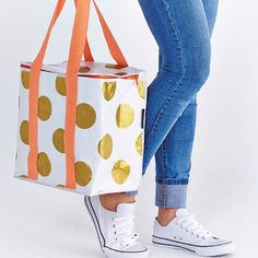 New stock of Project Ten bags arrived this week and the insulated totes are flying out the door.... Perfect for picnics beach and grocery shopping #summeriscoming #insulatedtote #beachbag #projectten #gold #shutthefrontdoorstore #stfdnz