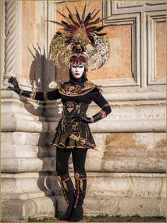 Carnaval Venise 2016 Masques Costumes | page 38 Venetian Costumes, Venice Carnival Costumes, Venetian Carnival Masks, Mardi Gras Costumes, Carnival Of Venice, Venetian Masquerade, Venice Carnivale, Venice Mask, Costume Carnaval