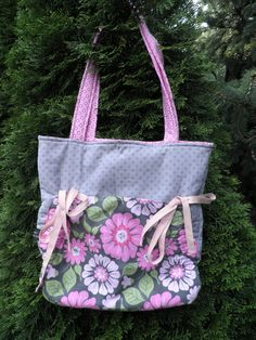 Grey and Pink Floral Cinch Purse by AZinnCreativeStitch on Etsy, $37.00