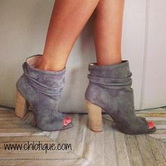 Wake up your wardrobe with these high-style Break Up booties with slouchy ankle detail and a flirty peep-toe. From Chinese Laundry. Suede upper Round open peep-toe booties Scrunched detail on ankles 3 Ugg Boots, Bootie Boots, Shoe Boots, Ankle Boots, Shoes Heels, Open Toe Boots, Grey Booties, Pumps, Stilettos