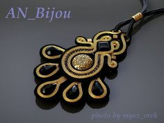 Black and gold necklace Soutache. by ANBijou on Etsy Soutache Pendant, Soutache Necklace, Ring Necklace, Shibori, Boho Jewelry, Beaded Jewelry, Handmade Necklaces, Handmade Jewelry, Soutache Tutorial