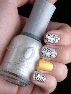 splatter with an accent nail - love!