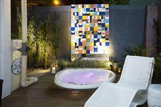 Deck da Casa Container, emoldurado pela Cerâmica da Vetrodesign.