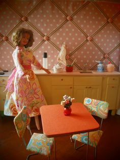The Dancing Fingers: DIY Barbie Furniture. I had an aunt who used to make me tons of Barbie furniture :) Diy Barbie Furniture, Dollhouse Furniture, Miniature Furniture, Baby Furniture, Furniture Ideas, Barbie Doll House, Barbie Dolls, Barbie Life, Dolls Dolls