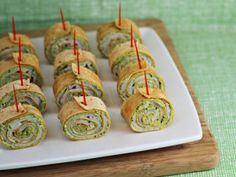 Party Food: Pesto Tortilla Pinwheels {appetizer for #sundaysupper} - Home Cooking Memories
