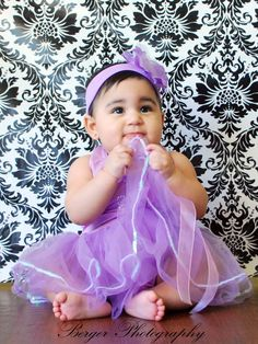 Baby Portraits/photo shoots, children 1 month to 1 year. Model is 8 month old London