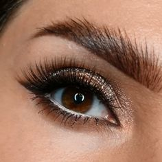 Brown Eyes Makeup 628955904196560764 - ❤️❤️ Classical Gorgeous❤️❤️ 🔥do u love this eye tutorial?🔥😘 💜✨ those eyes … makeup … ✨ Hypnosis, would look and look … 😻 Ali Grace Hair is deserved to try for ur exquisite Appearance and beauty👍👏❤️ Source by Golden Eye Makeup, Makeup For Green Eyes, Natural Eye Makeup, Smokey Eye Makeup, Eyeliner Brown Eyes, Navy Eyeliner, Make Up Looks, Eyeshadow Looks, Eyeshadow Makeup