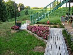 Landscaping With Pallets   ---  #pallets