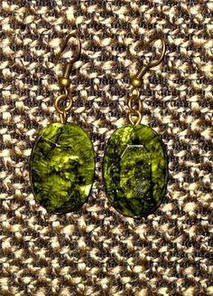 Kupuj mé předměty na #vinted http://www.vinted.cz/doplnky/nausnice/8736429-smaragdove-zelene-visaci-nausnice