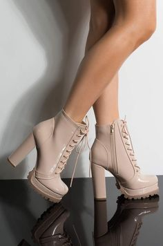 Women shoes Comfortable Casual - Women shoes Professional Work Outfits - Women shoes High Heels Walk In - Women shoes High Heels Fashion - Stiletto Heels, High Heels, Aesthetic Shoes, Outfit Trends, Hype Shoes, Fashion Heels, Fat Fashion, Fashion Tape, Fashion Collage