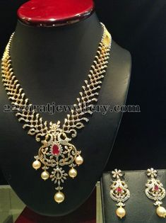 Jewellery Designs: Diamond Necklace Worth 7 Lakhs