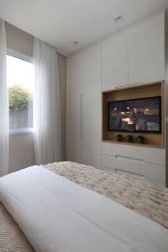 Bedroom wardrobe - Different Electronic Gadgets Bedroom Built Ins, Tv In Bedroom, Master Room, Closet Bedroom, Bedroom Decor, Closet Built Ins, Bedroom Small, Bedroom Storage, Bed Design