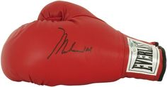 Muhammad Ali, signature on 'Everlast' boxing glove.… - Sporting - Boxing - Memorabilia - Carter's Price Guide to Antiques and Collectables
